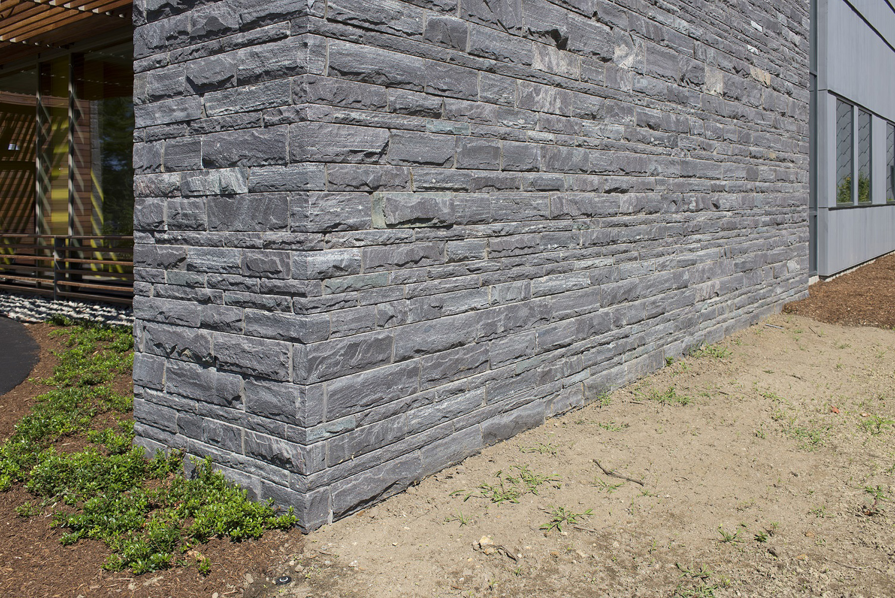 flat thin stone used in wall