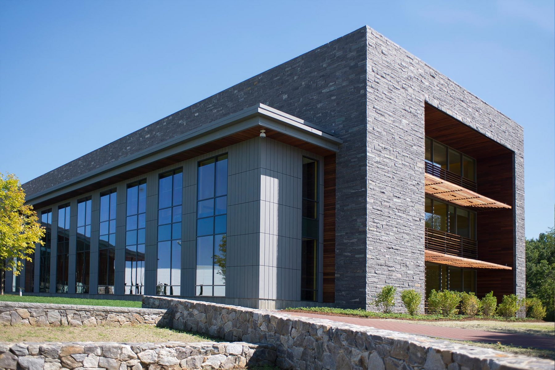 stone veneer building at souther new hampshire university