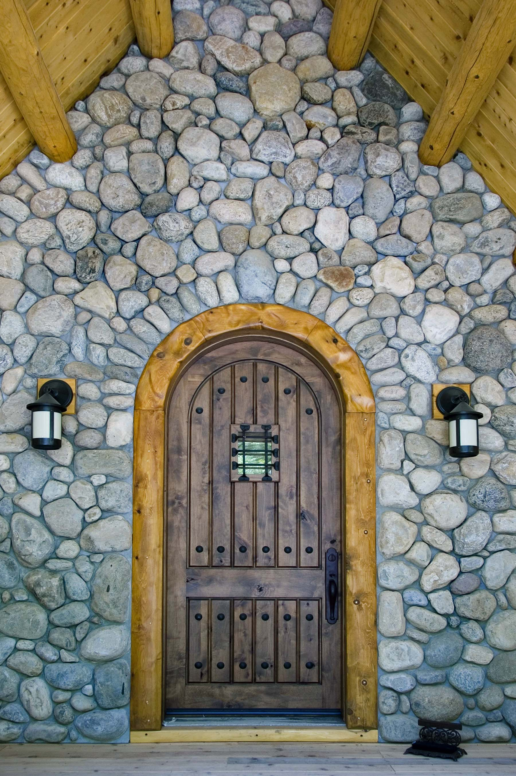 Adirondack Fieldstone entryway for log cabin
