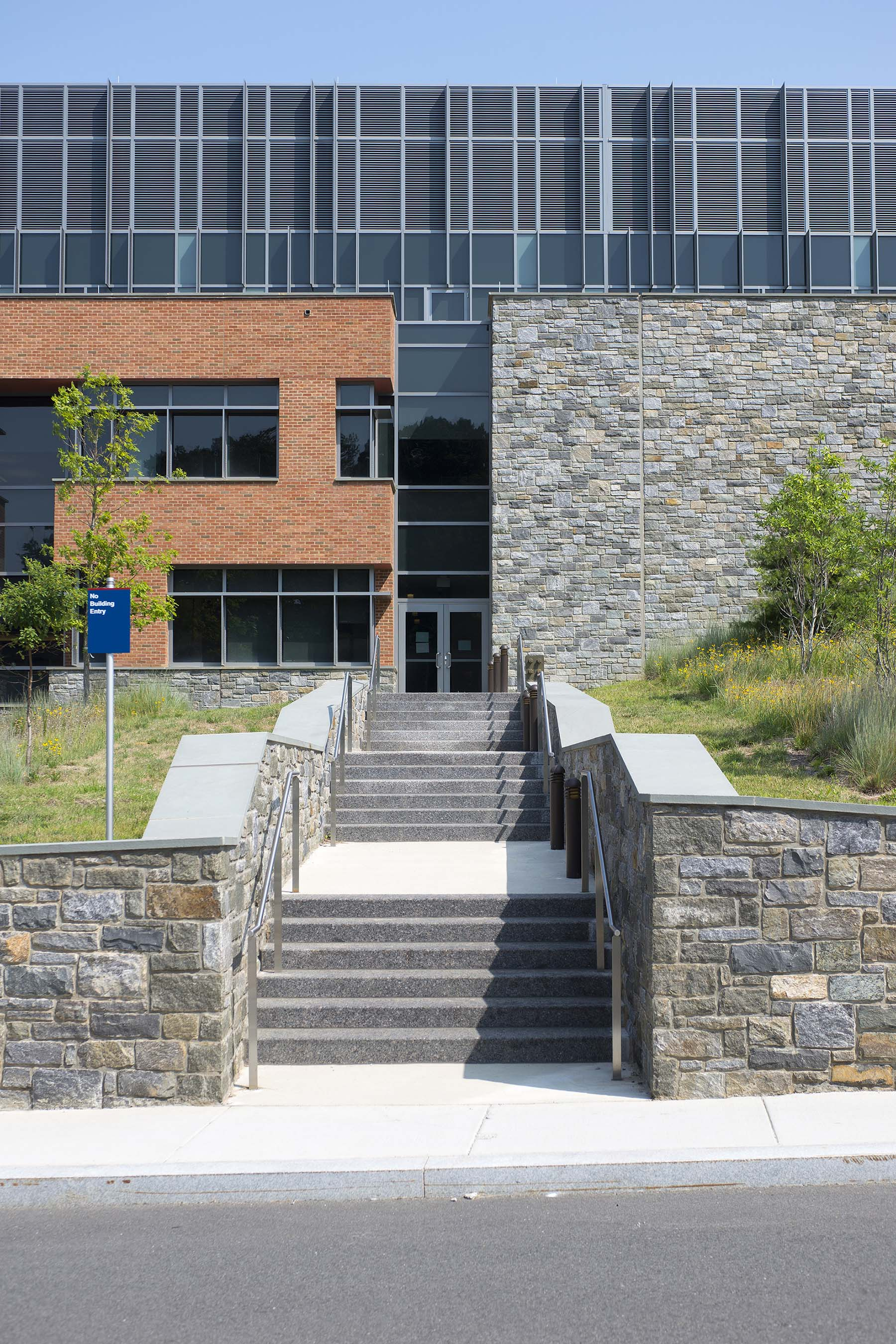 building with natural stone veneer at uscg headquarters