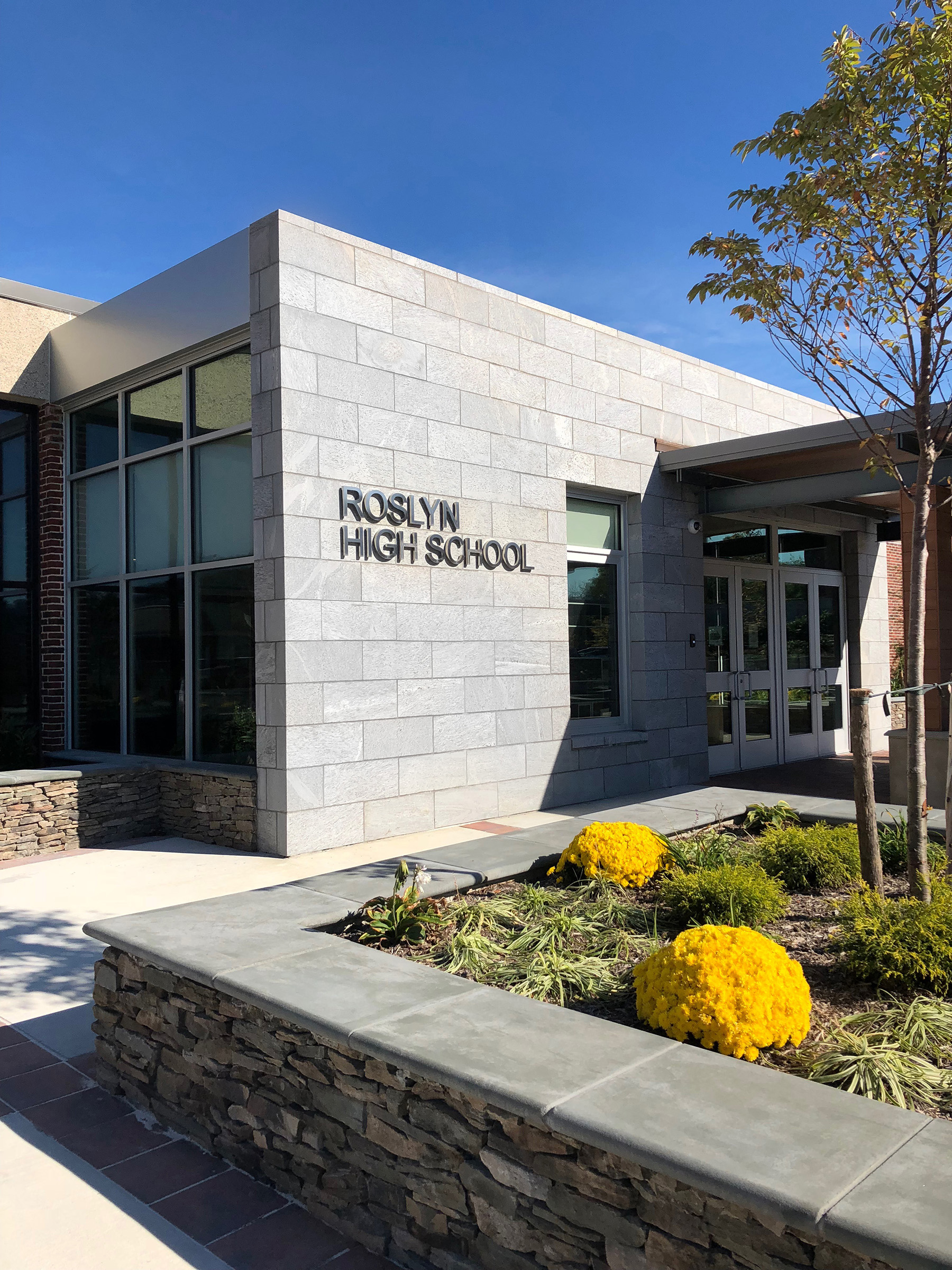 roslyn high school exterior