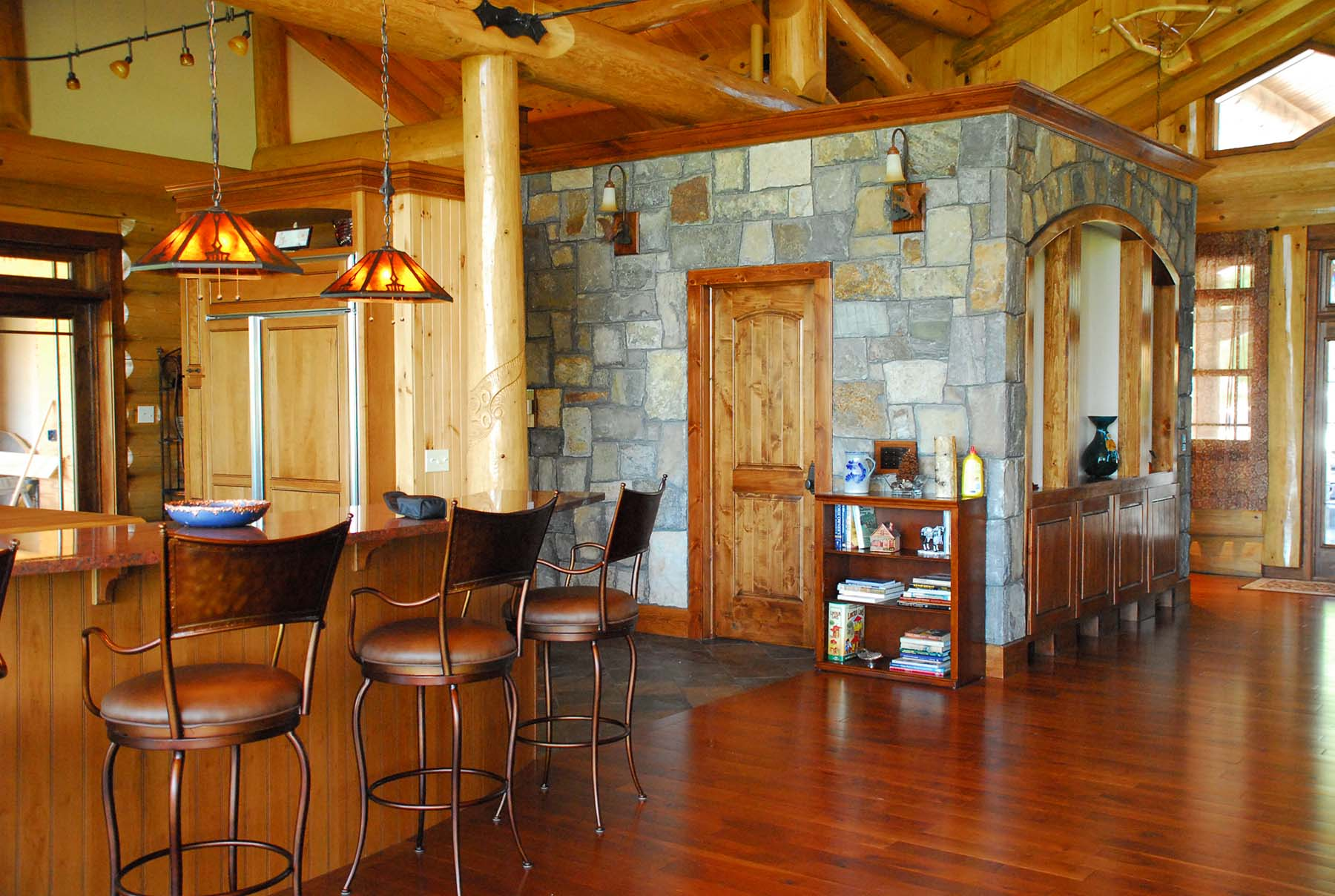 saratoga granite indoor walls in residential kitchen