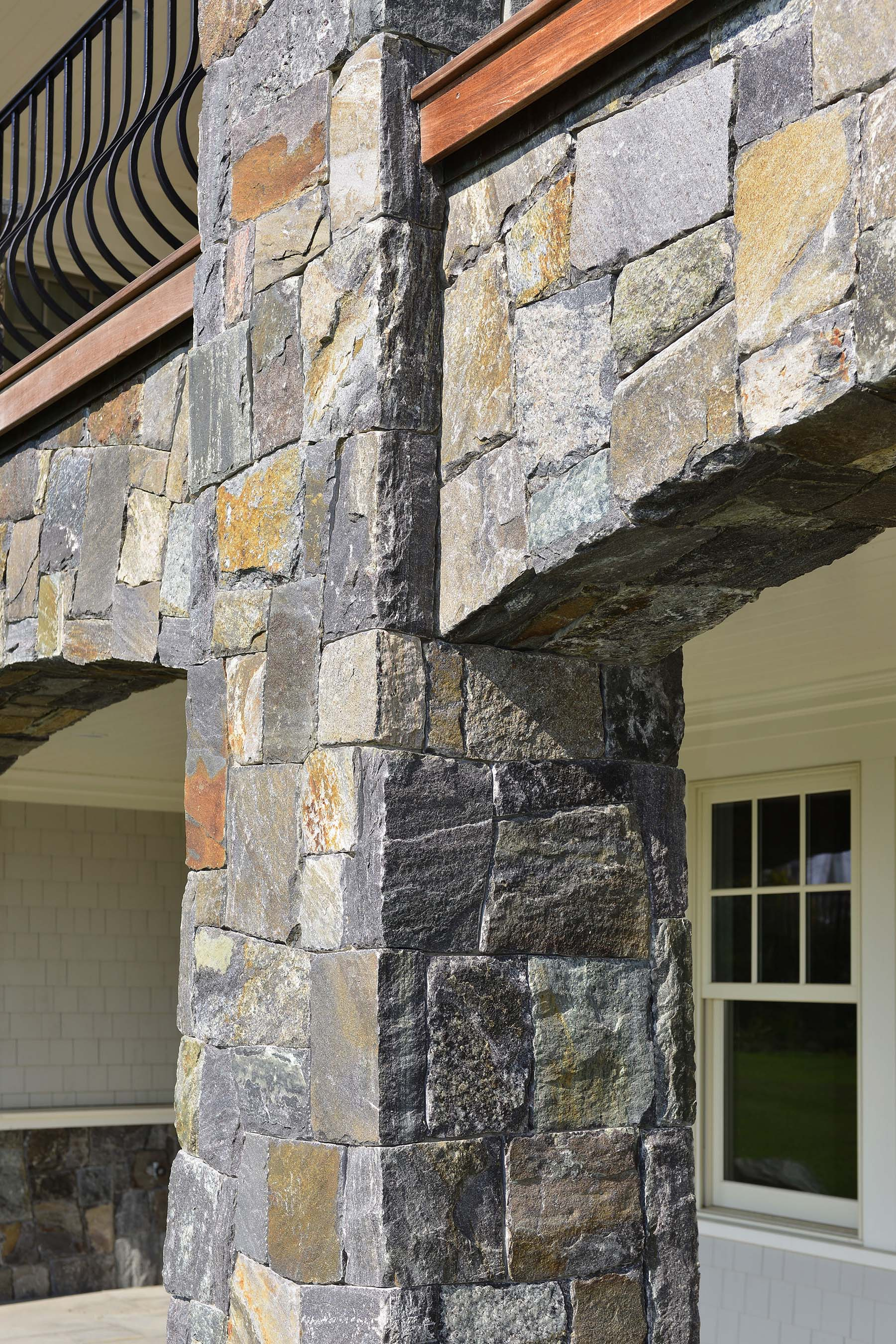 saratoga granite mosaic natural stone column and archway outside