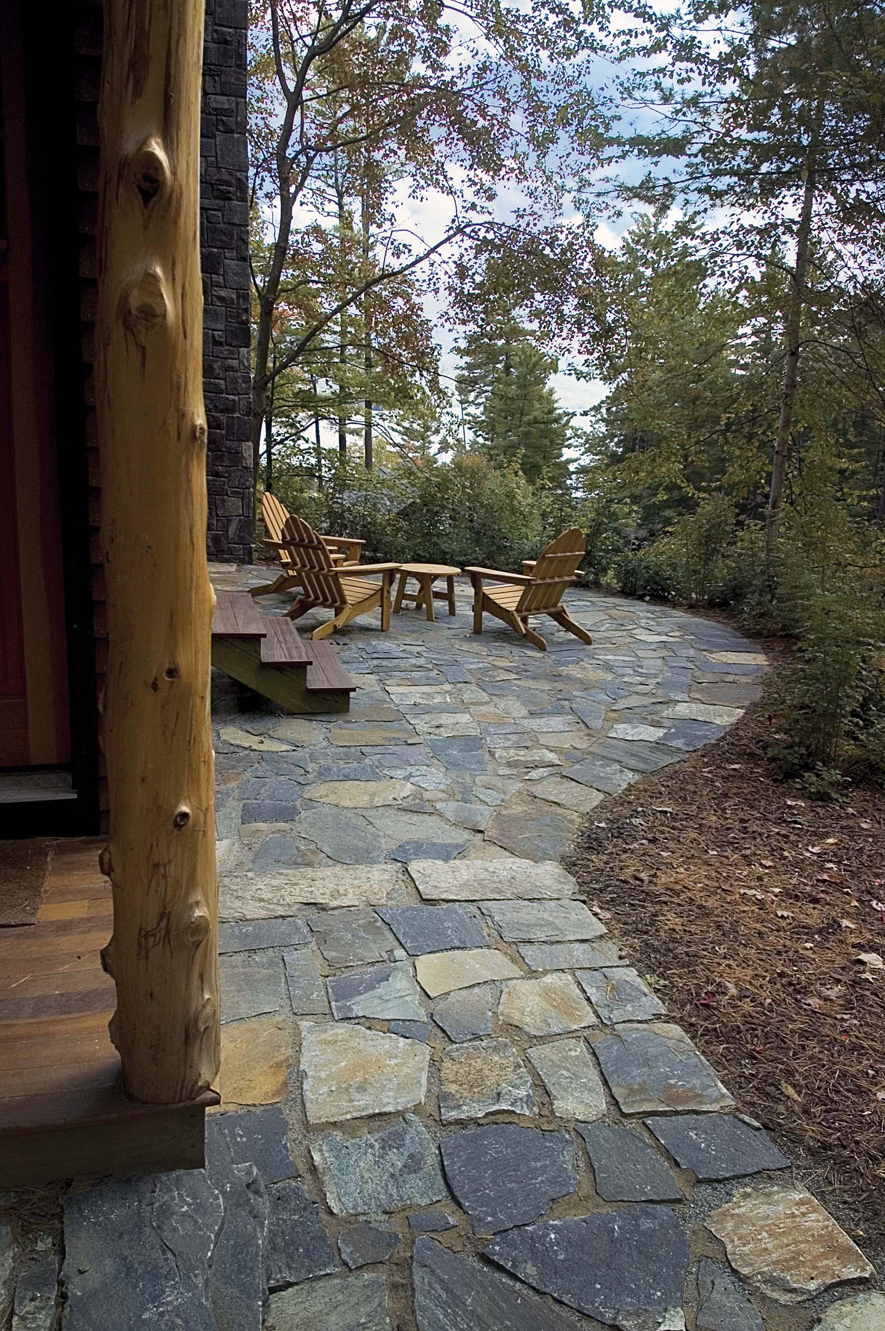 Saaratoga granite natural stone walkway and patio